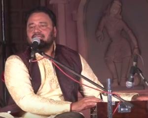Prof. (Dr.) Rajinder Singh Gill, Director, NZCC performing during the Shilpgram Utsav at Allahabad on 01/11/2015